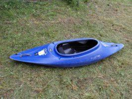 Spielboot blau