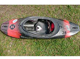 Spielboot schwarz-rot